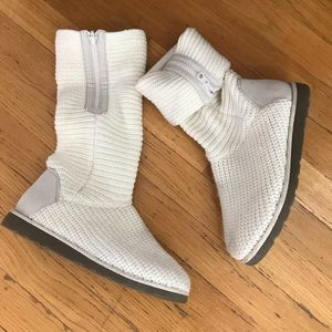 SO Pencil Ivory Side Zip Sweater Fold Over Boots